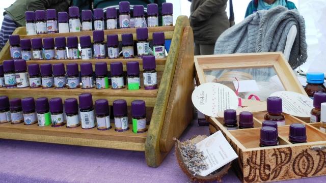 Варненка композира натурални аромати