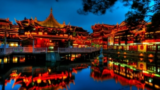 """Забраниха """"кичозните"""" празненства за Коледа в китайски ВУЗ"""