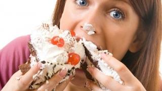 При стрес ядем повече, без да ни е по-сладко