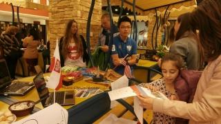 Мол Варна става глобално село за ден