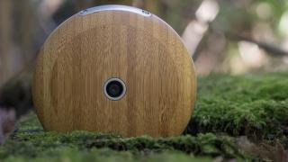 Дървен смартфон ще ни връща в реалния