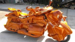 Германски майстор създаде дървен мотоциклет