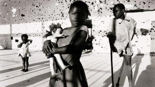 Кое е общото между таблета Ви и гражданската война в Ангола?