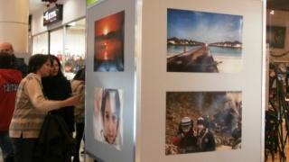 Фотографи пускат свои снимки на търг в помощ на Ивка
