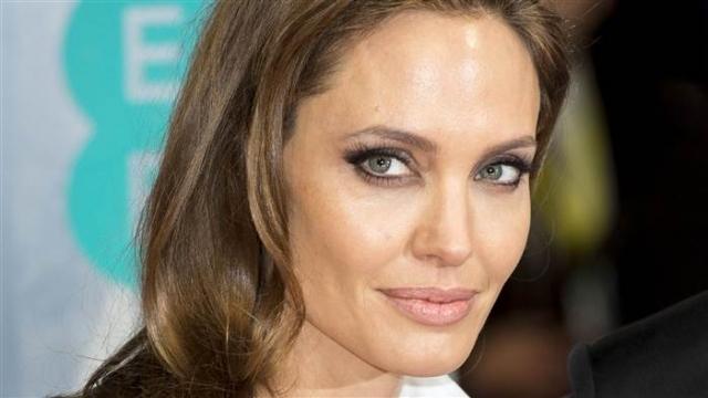 Анджелина Джоли става на 40