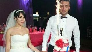 Младоженци дариха парите от сватбата си за благотворителност