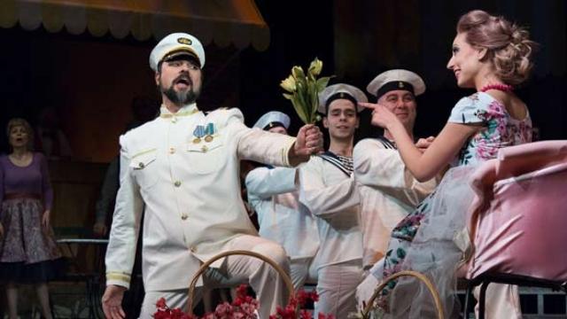 Пловдивската опера търси влюбени, готови да се оженят на сцената