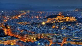 С евтини самолетни билети гърците подпомагат туризма