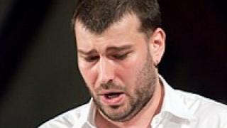 Един оперен певец, който дарява кръв на всеки 3 месеца