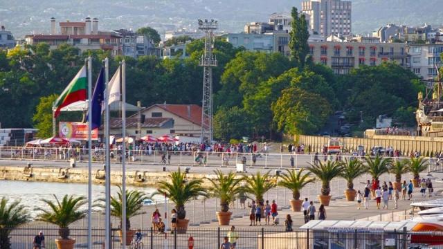 Пристанище Варна от утре става и зона за релакс