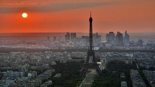 Забележителности около Казанлък - на реклами в Париж