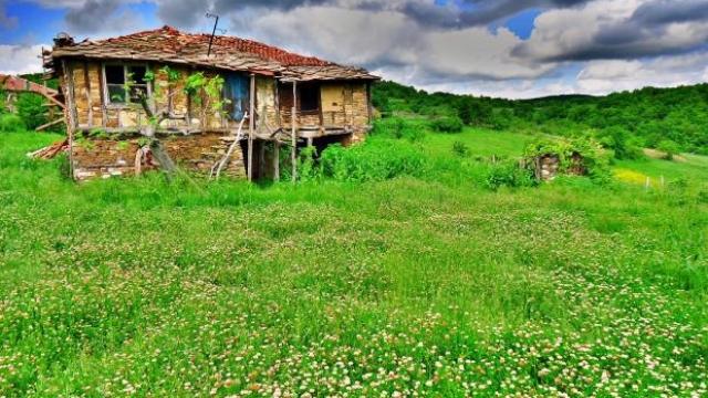 Германци се заселиха в село край Ивайловград
