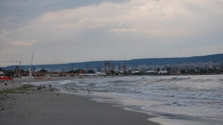 """Пече се най-дългата вечеря на плажа в """"Аспарухово"""""""