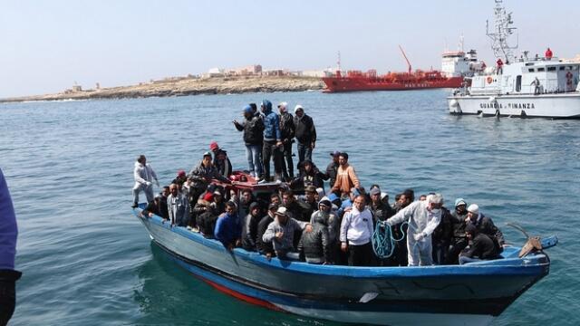 Милиардер подготвя закупуването на гръцки острови за бежанците