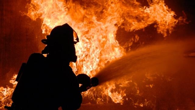 Българин спаси две жени, рискувайки живота си в пожар