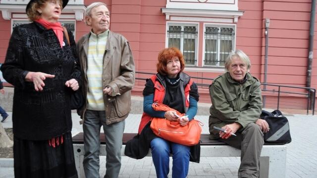 """Младежи """"спасяваха"""" живота на Татяна Лолова и Никола Анастасов"""