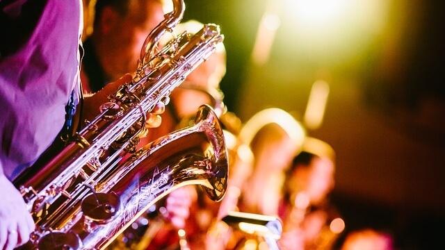 Честит ден на музиката на всички, докоснати от светлината й!