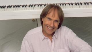 Ричард Клайдерман с послание към варненци за деня на музиката