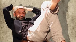 """Явор Гигов """"Без обувки"""" в авторски моноспектакъл"""