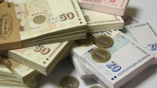 Заплатите нарастват с 4,8% от догодина