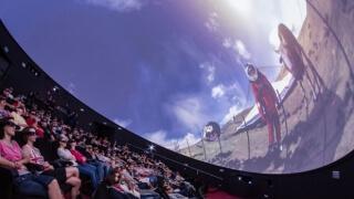 Пет дни безплатни прожекции в новия 3D планетариум в Пловдив