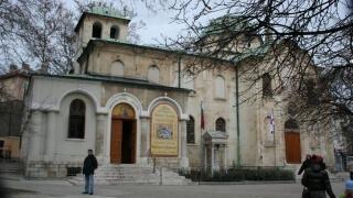 Анонимен дарител даде пари за ремонт на храм във Варна