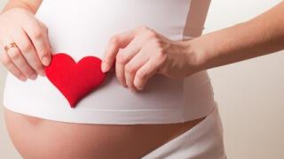 Чрез групово готвене и гимнастика учат бременни на здравословни навици