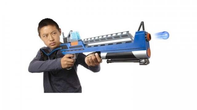 Търговец на играчки свали оръжията от щандовете във Франция