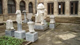 Съветници от Търново заседават в археологически резерват